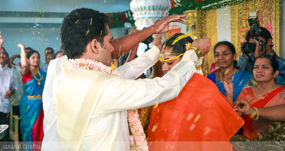 Pradeep & Pavithra - wedding videographers - Aishwarya Photos & Videos