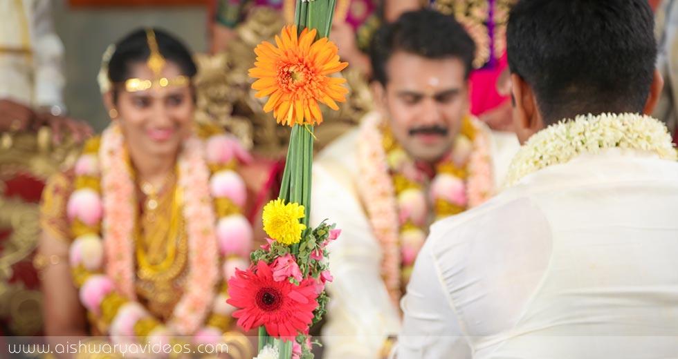 Pradeep & Pavithra - candid wedding photographer - Aishwarya Photos & Videos