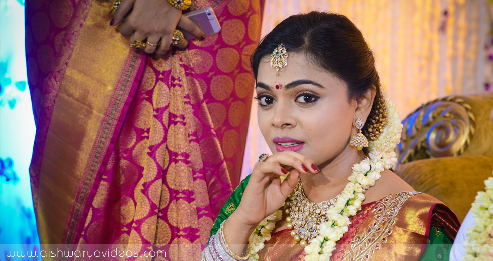 Sundeep & Dhivya - top wedding photographers - Aishwarya Photos & Videos