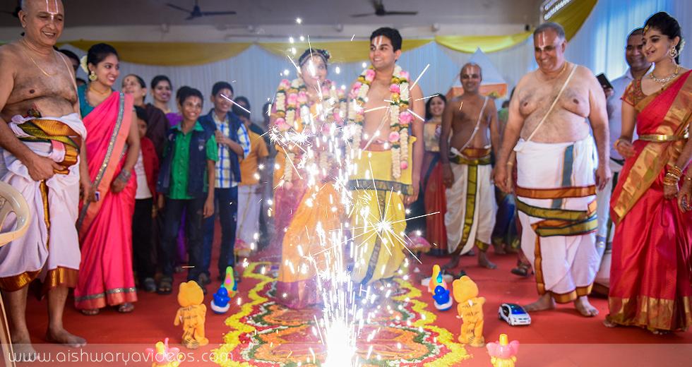 Srinath & Nandhu - wedding portrait photographers - Aishwarya Photos & Videos