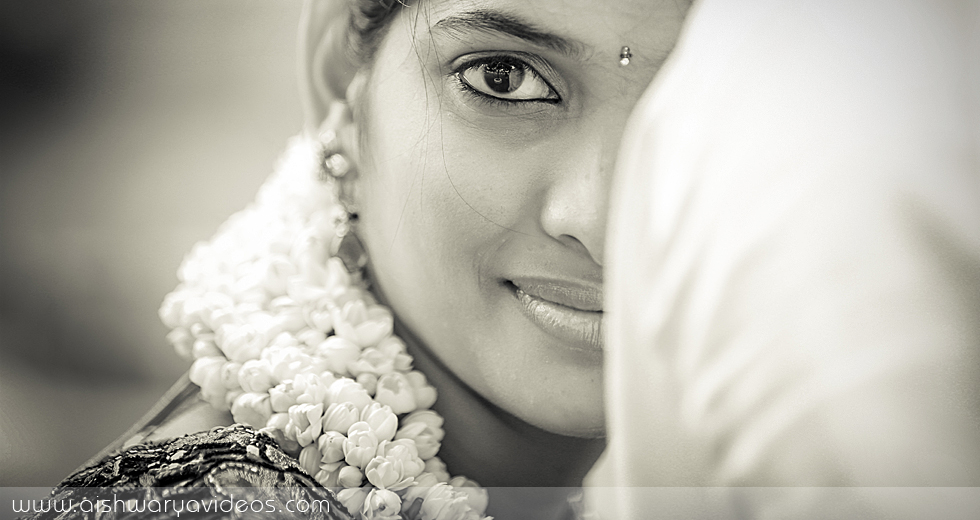 Prabhu & Manjari – Outdoor candid photography