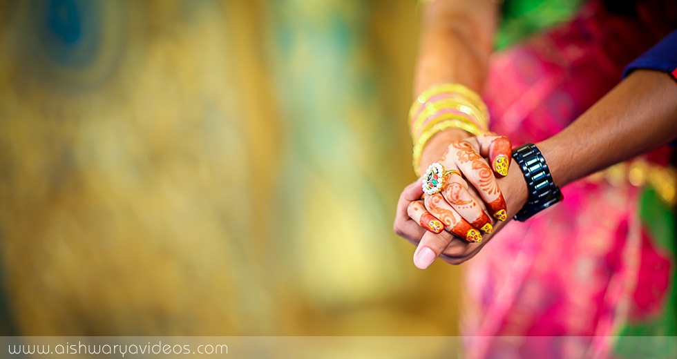 Karthik & Dhivyapriya - wedding portrait photographers - Aishwarya Photos & Videos