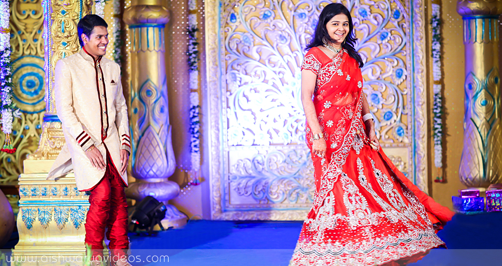 Karthik & Dhivyapriya - candid wedding photographer - Aishwarya Photos & Videos