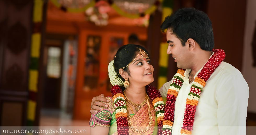 Vinod & Suhashini - top wedding photographers- Aishwarya Photos & Videos