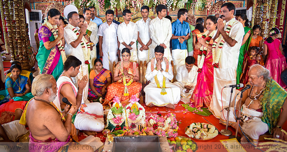 Sundarram & Sathya - top wedding photographers - Aishwarya Photos & Videos